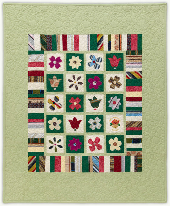 'Margaret'sFlowerPatch', a memorial quilt designed by Lori Mason